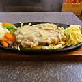 写真: 小川町 インドアジアンレストラン&バー プルナのチキン・シズラー(グリルド チキン) 690円