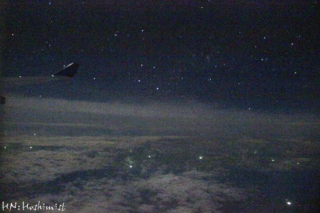南十字夜間飛行の窓から_4725N
