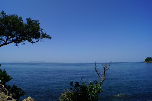 青空が奇麗な無人島