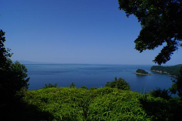 青空が奇麗な無人島2