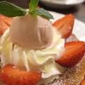 Photos: 星乃珈琲店 苺ミルクのパンケーキ