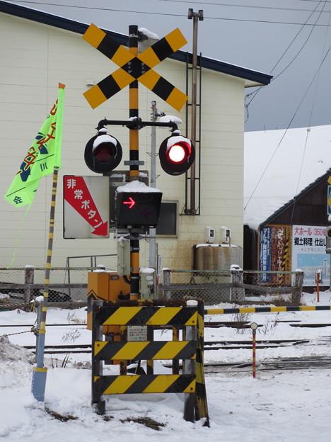 踏切 函館方面行点灯