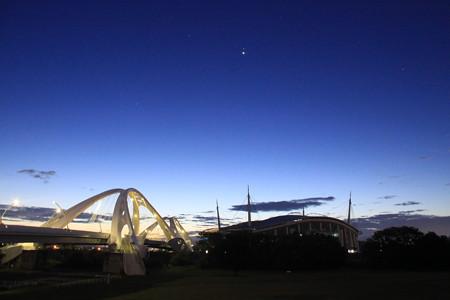 豊田大橋と豊田スタジアムの黎明
