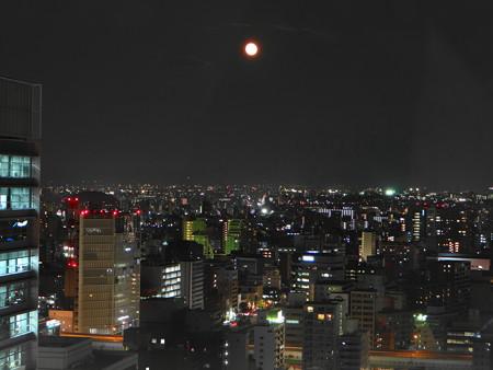 夕月と名古屋市街