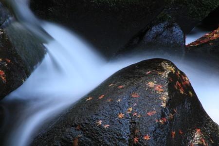 王滝渓谷:紅葉の残照