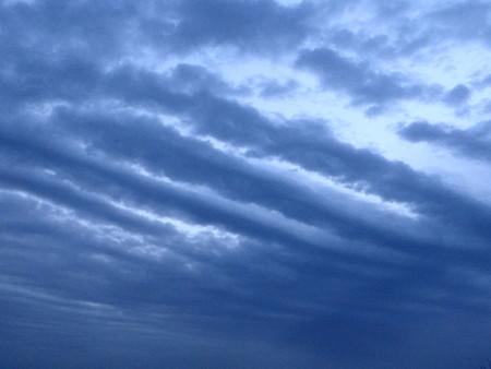 不気味な筋雲
