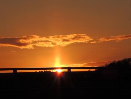 夕陽と太陽柱