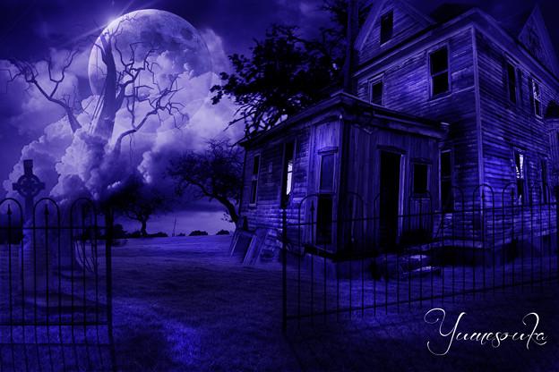 廃墟と満月