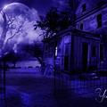 Photos: 廃墟と満月