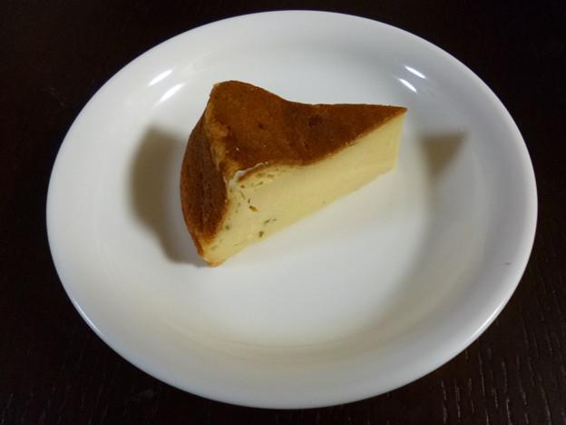 スダチ入りヨーグルトチーズケーキ。