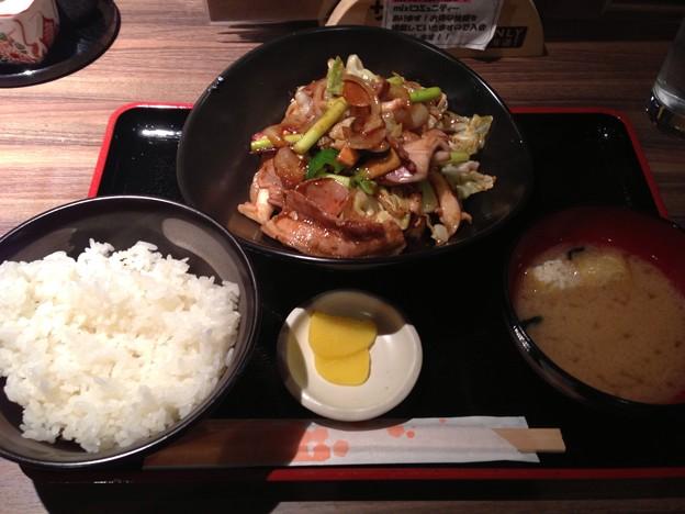 写真: まう 豚肉とイカのオイスターソース炒め
