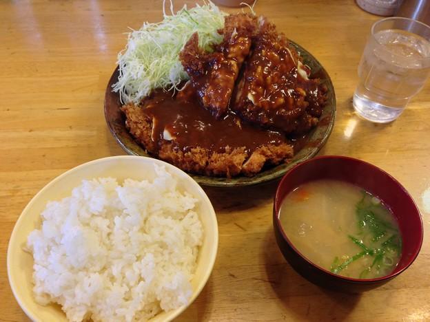 写真: パセリ チーズチキンカツ定食L