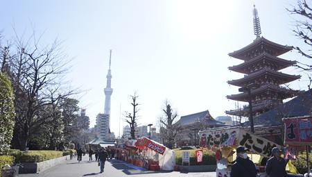 浅草寺とスカイツリー 318