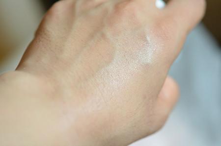 薬用美白UVカットスプレー