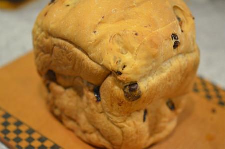 チョコレーズンパン (1)