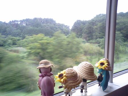 韮崎→小淵沢間、穴山付近。小淵沢までは「七里岩断層」の縁に沿って...