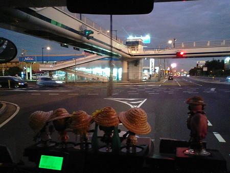 千葉市中央区蘇我付近、国道357号。台風一過だからか、夕空が不思議な...