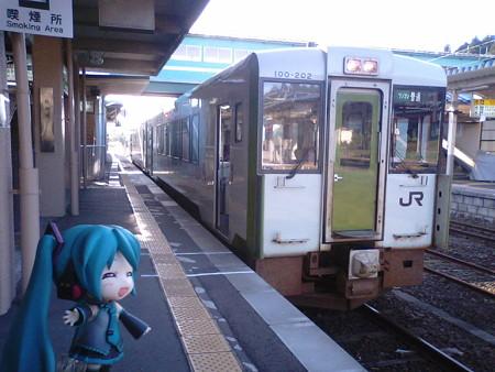 ミク:「野辺地駅で、JR大湊線に乗り換えです」 ■野辺地  7:58 → ...