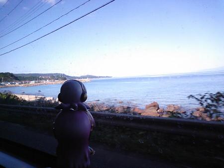 易国間下新町付近。いよいよ大間崎が見えてきました!! ルカ:「う...