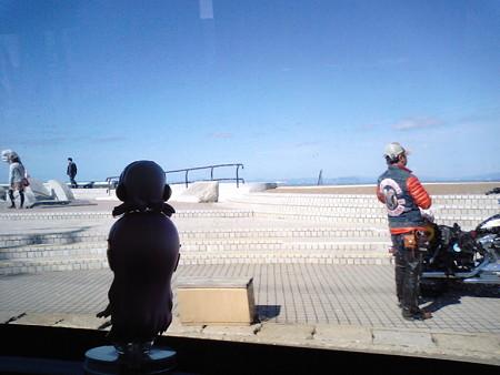 大間崎付近。一旦乗り越します。 ルカ:「!?!?」 ……いや、一...