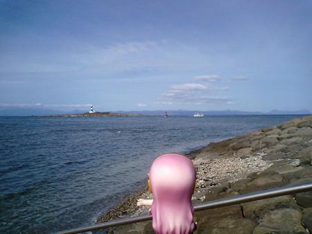 バスの時間まで、のんびり海を眺めてようか……。 ルカ:「漁師さぁ...