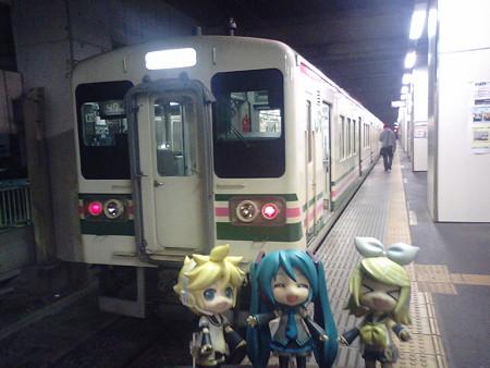 小山駅まで戻ってきました。 リン:「お疲れちゃまー♪」 ミク:「...