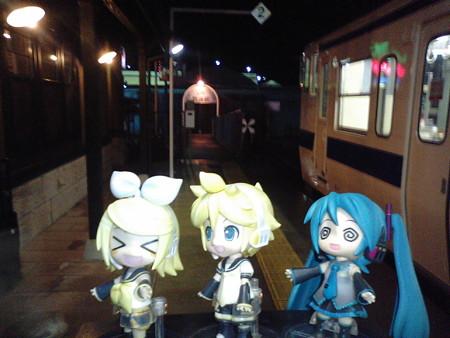とうとう、JRの南の果ての終点、枕崎駅に到着しました!!  リン...