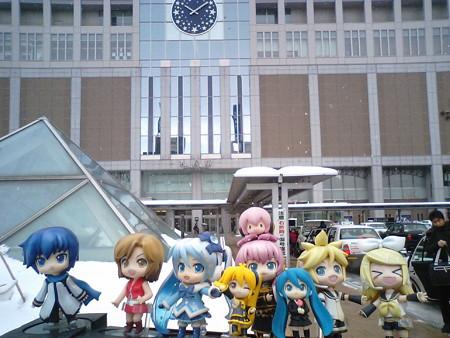 11時に札幌駅を出発します。札幌は今日も雪です (((゜Д゜;)))