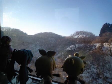 ルカ:「山側は山側でいい景色ですよ。鹿もあたりしますし」 ミク:「...