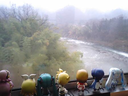 皆野→長瀞間、上長瀞付近。 リン:「をーい、川下りいるかぁー?!...