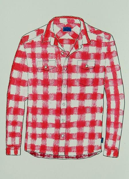 赤いチェックのシャツ