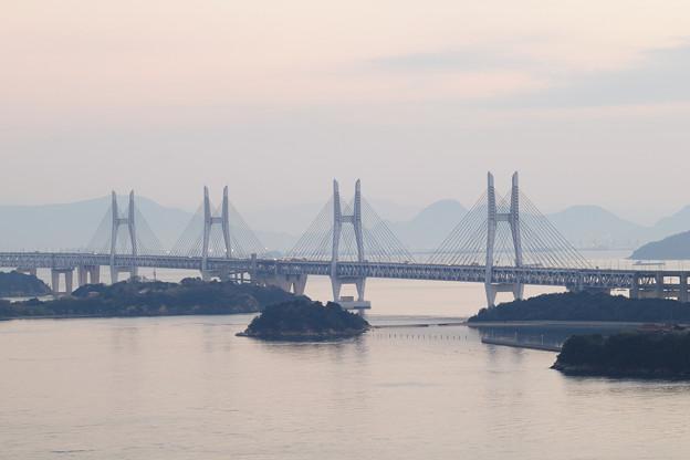 櫃石島橋と岩黒島橋