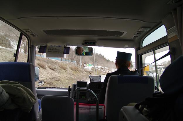 s0668_只見線代行バス車内