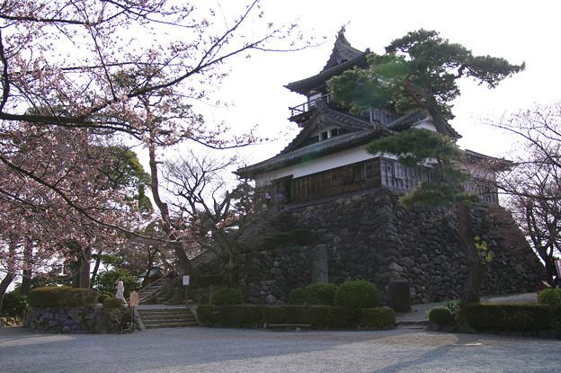 s0227_丸岡城天守閣北東側