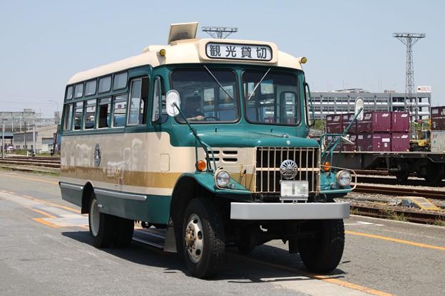 旧国鉄バス塗装 いすゞTSD40(観光貸切表示)