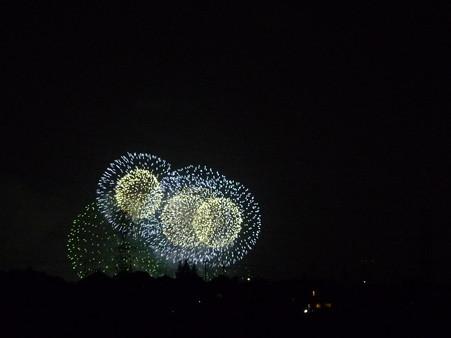 120801-横浜港花火 (310)