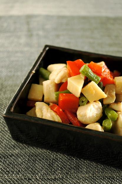 写真: 鶏と野菜のコロコロ五目炒め