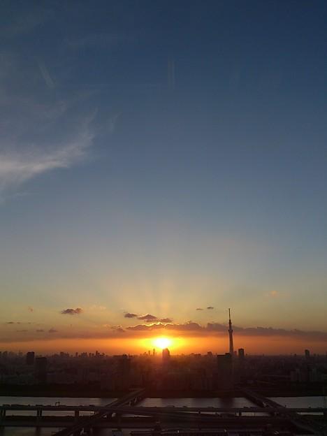 夕日とスカイツリー