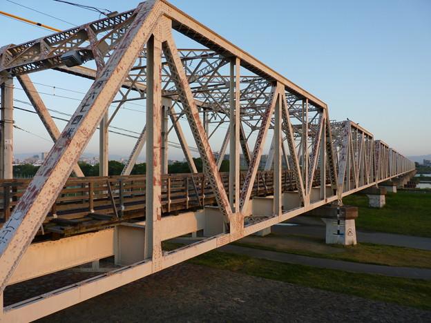 朝日に灯される18門鉄橋