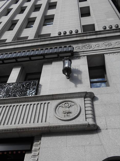 銀座和光服部時計店の壁面装飾