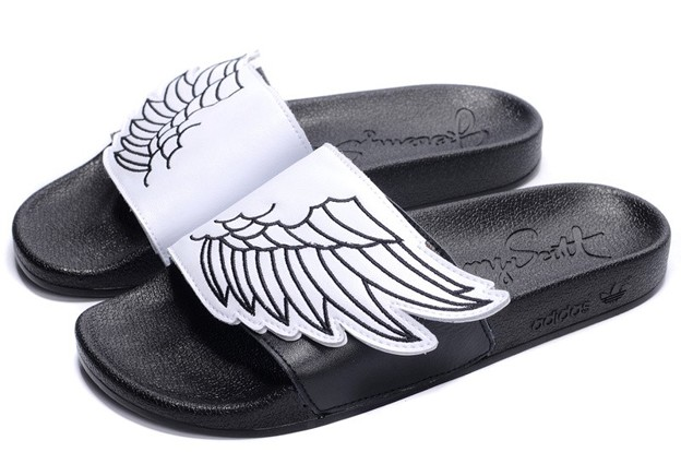 adidas_originals_obyo_jeremy_scott_js_wings_adilette_black-white_g43855