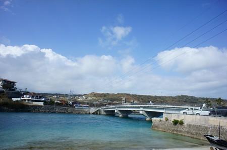 奥武島に渡る橋