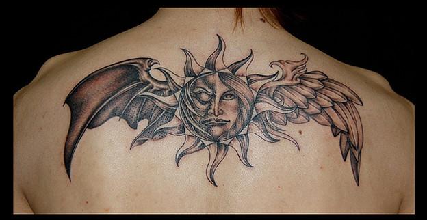 タトゥー 大阪 刺青 刺青画像,ブラック&グレー,太陽,羽,天使,悪魔,背中タトゥー