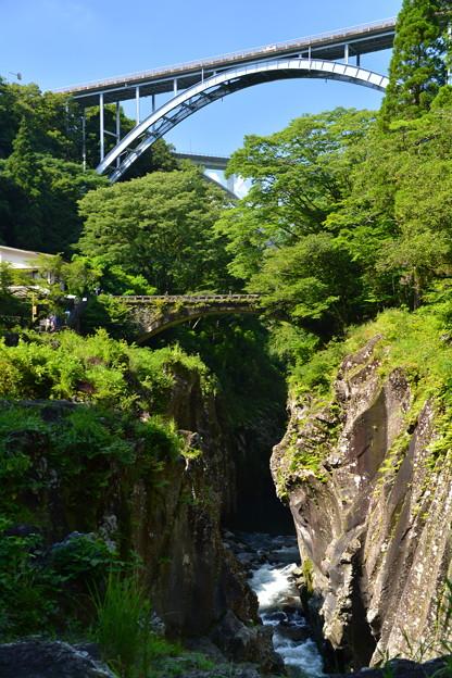 Photos: 全国でここだけ!アーチ橋一望 『高千穂三橋』