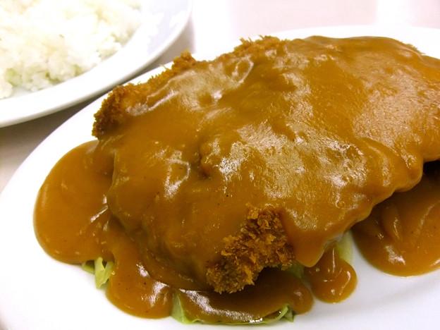 写真: 肉のますゐ 広島市中区八丁堀 サービストンカツ