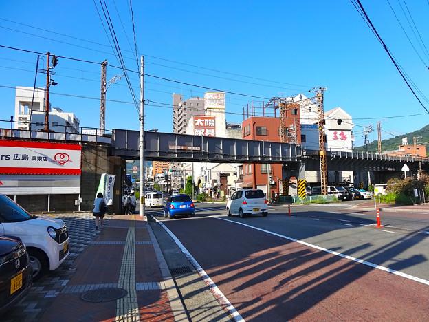 JR西日本 呉線高架 呉市幸町 国道487号