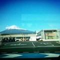 写真: 新幹線から富士山