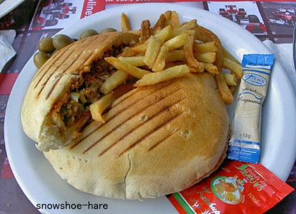 チュニジア版ツナサンド