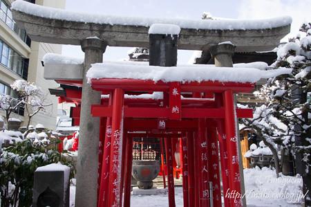 稲荷神社 そこそこ雪降った