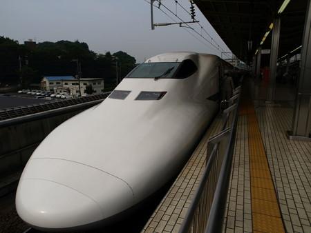 700系(新横浜駅)3